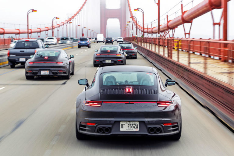 2 Porsche 911 2019 Prototype Ride Goldengate